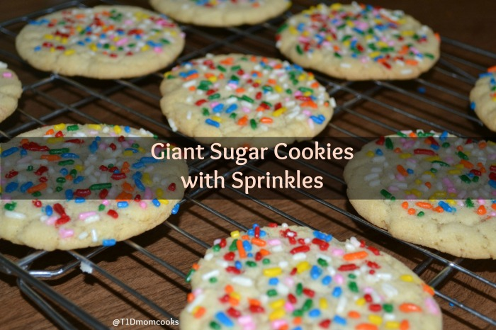 Giant sugar cookies with sprinkles (8)cT