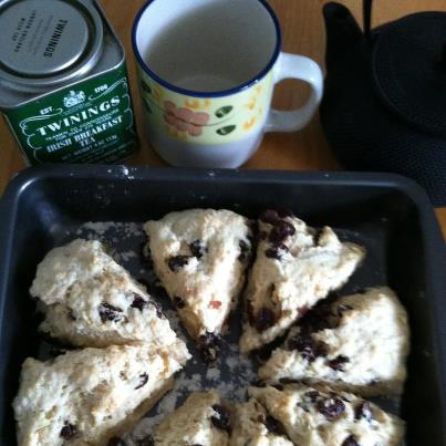 granma-scones-and-tea